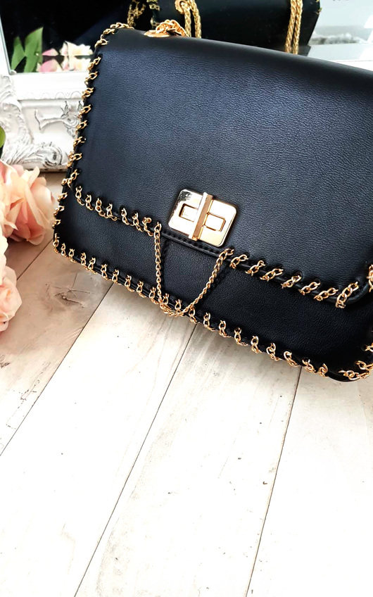 Pommy Gold Chain Shoulder Bags