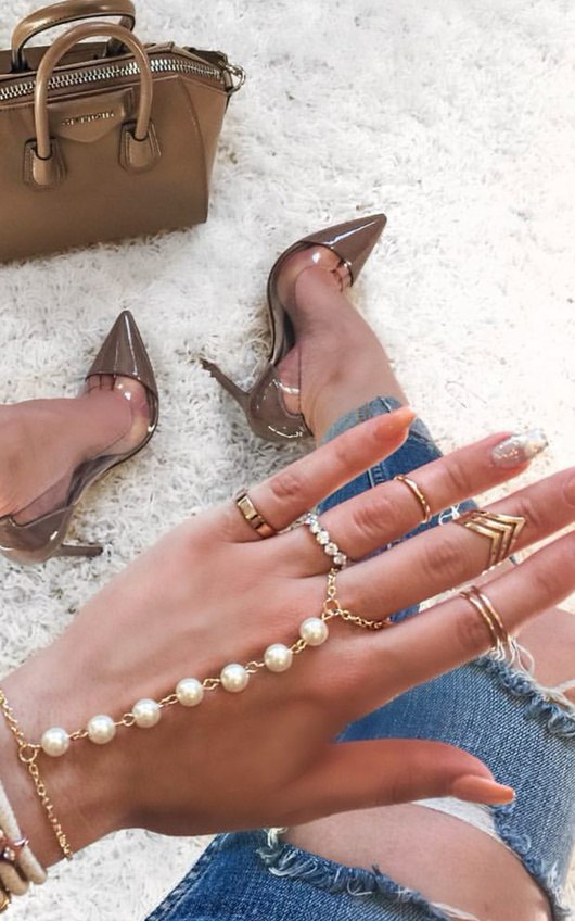 Carin Pearl Finger Chain