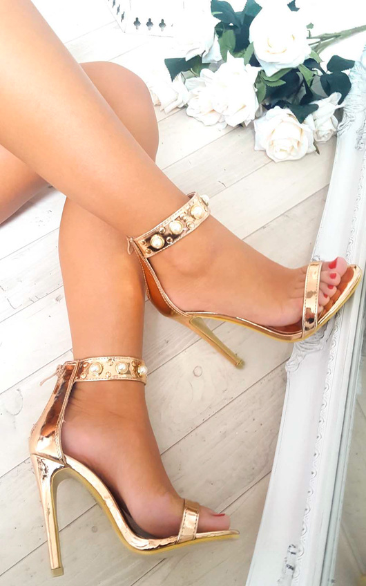 Leah Barely There Pearl Heels