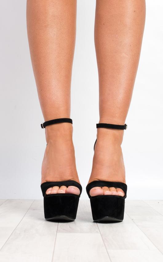 IKRUSH Women's Xtina Strappy High Heels Size in Black S Size 7 YbYwGk9