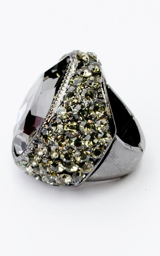 Black Stone Diamonte Ring