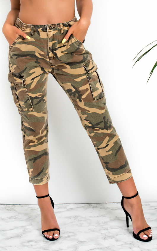 Avril Straight Leg Camouflage High-Rise Jeans