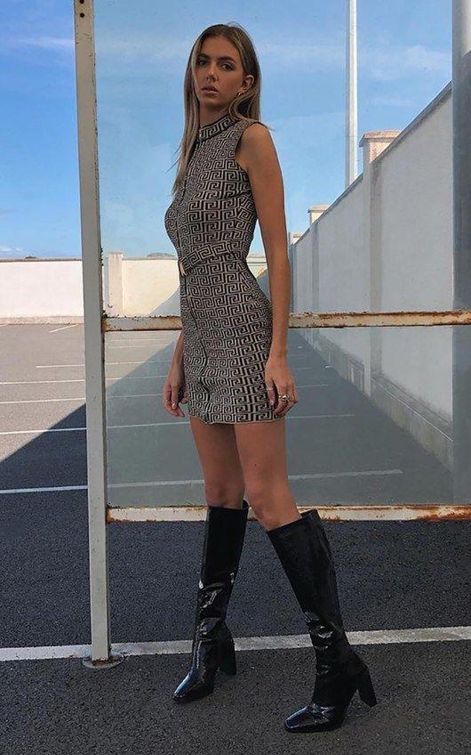 Deja Zip Up Belted Sleeveless Printed Mini Dress