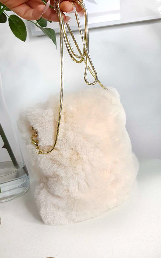Dills Fluffy Shoulder Bag