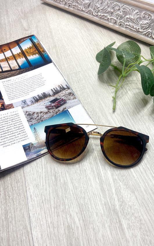 Europa Gold Bar Sunglasses