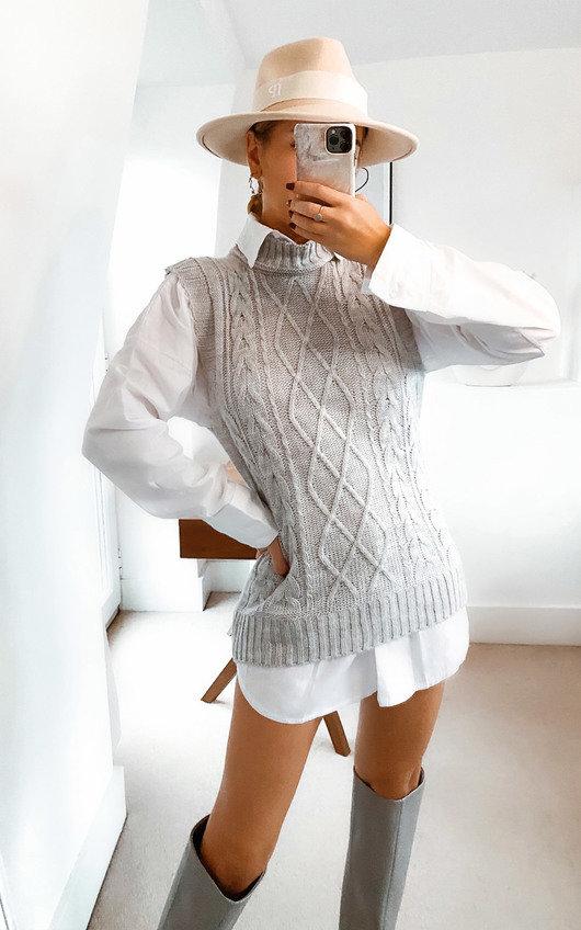 Farah Cable Knit Sleeveless Vest