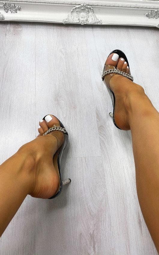 Fleur Chain Detail Heels
