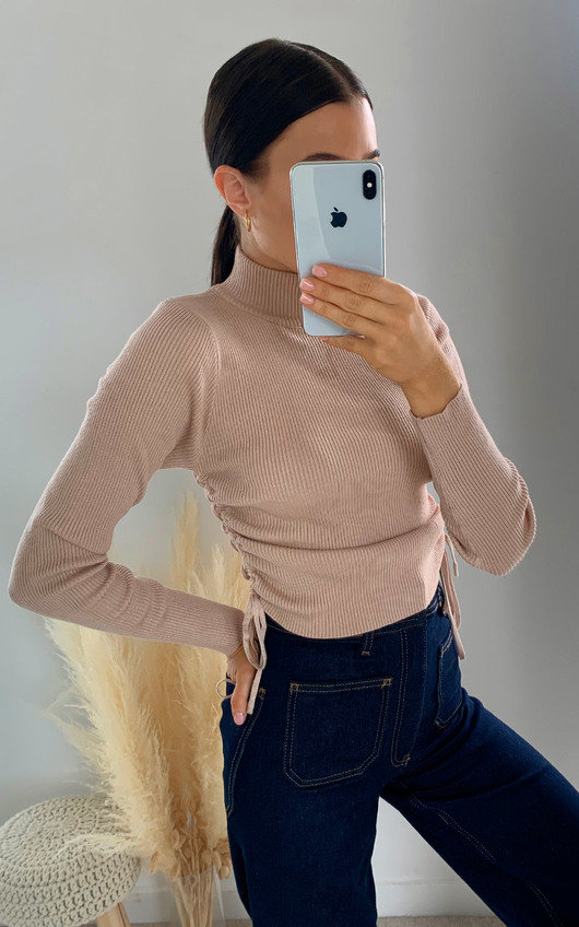 Lora Ribbed Crop Top