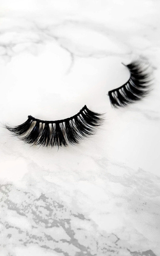 6f6293f93d9 Luxury Mink Lashes - Poser in Black   ikrush