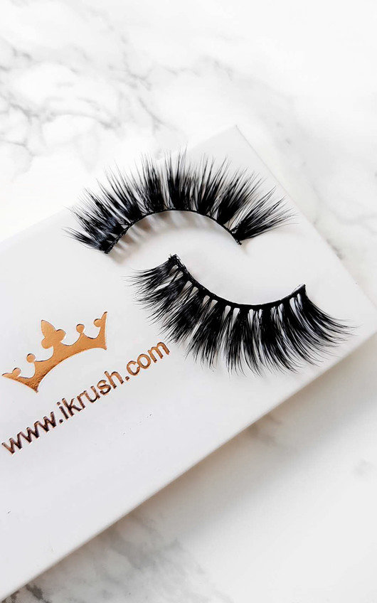 Luxury Mink Lashes - Poser