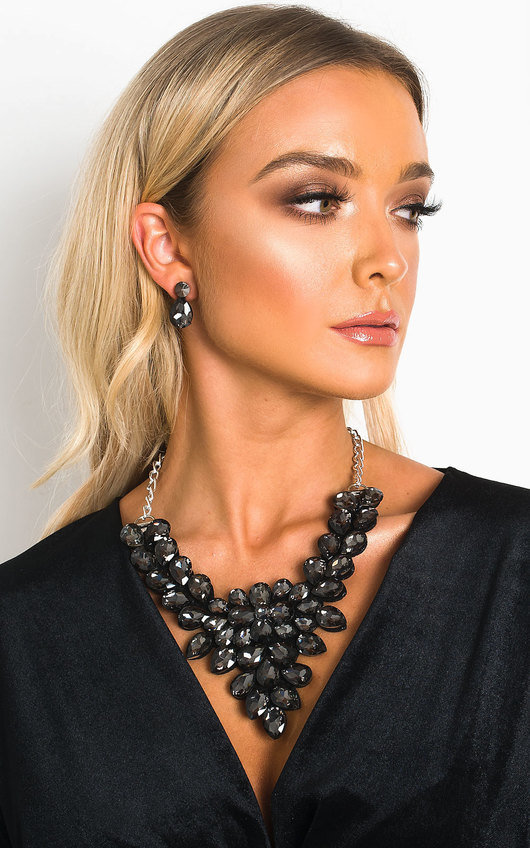 Nia Crystal Statement Necklace Set
