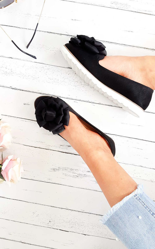 Robin Floral Bow Gripped Flat Pump