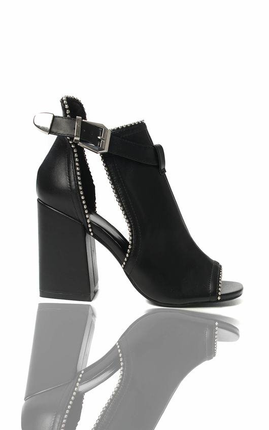 d5286c15d526 Ronnie Cut Out Block Heel Boots in Black