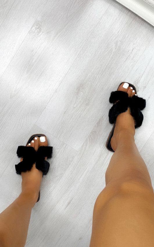 Sorelle Faux Fur Sliders