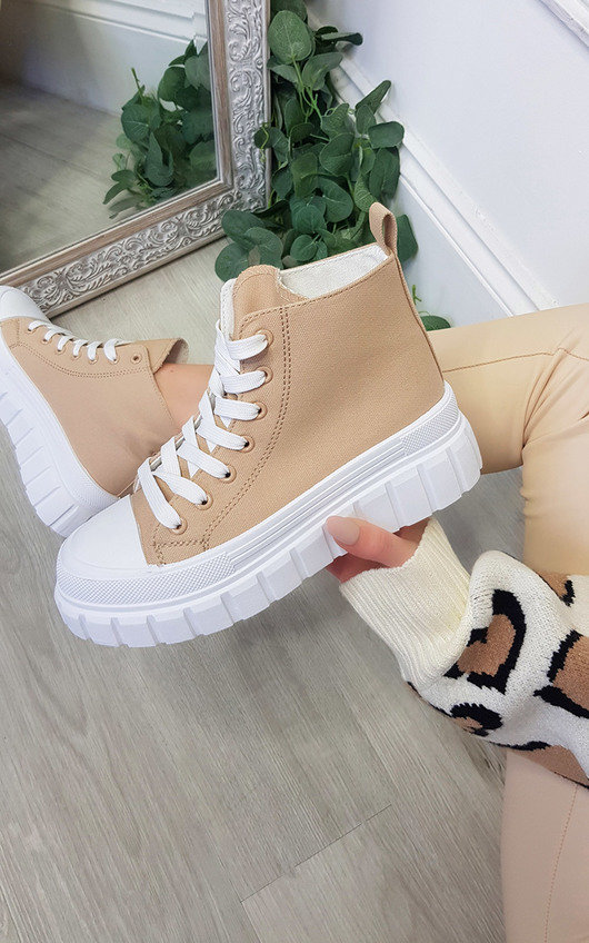 Una Lace Up Chunky Hi-Top Trainers