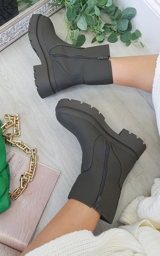 Vida Chunky Ankle Boots