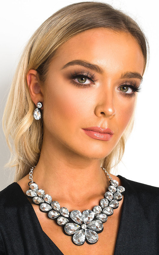 Yana Crystal Flower Necklace Set
