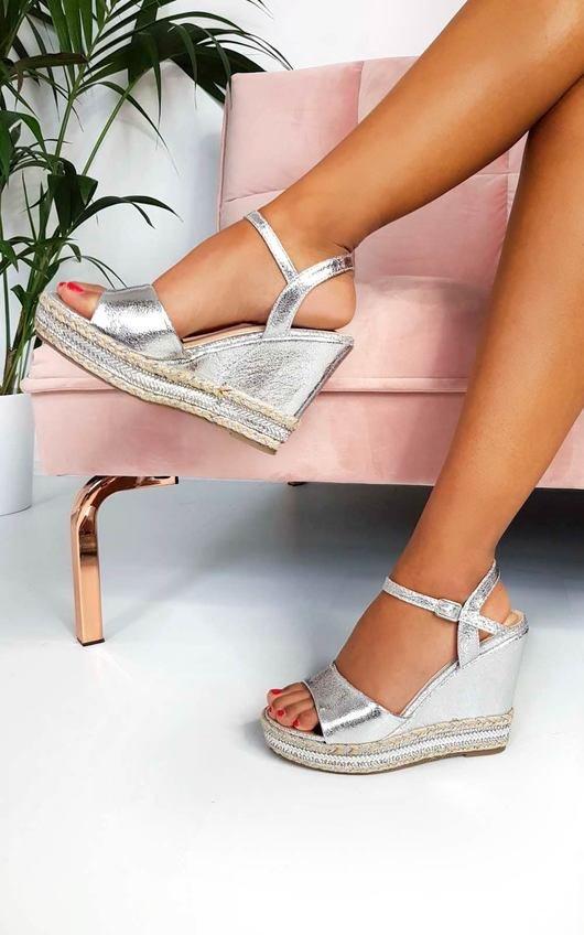 Zendaya Embellished Metallic Wedged Heel in Silver