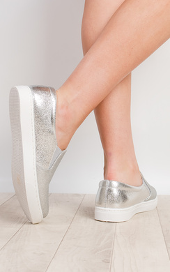 View the Arya Shimmer Pumps online at iKrush