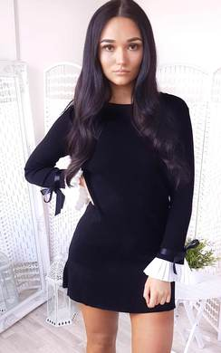 View the Cecelia Pleated Sleeves Longline Jumper Dress online at iKrush