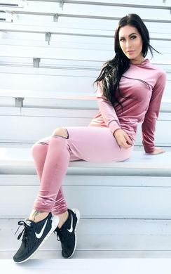 View the Lillie Velvet Jogger Set online at iKrush