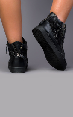 View the Denver Diamante Trainers online at iKrush