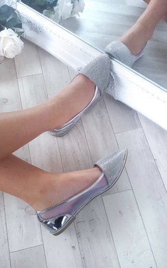View the Daisy Diamante Pumps online at iKrush