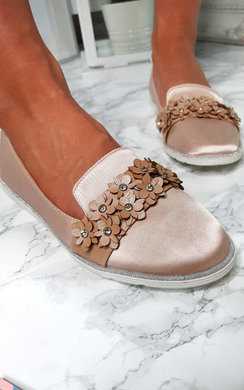 View the Eden Flower Embellished Flat Pumps online at iKrush