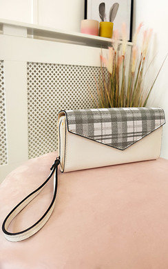 View the Jamie Faux Leather Purse online at iKrush