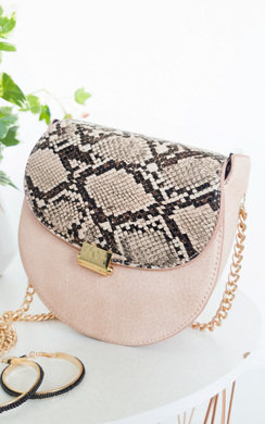 View the Laura Gold Chain Cross Body Bag online at iKrush