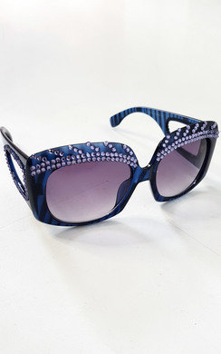 View the Lisa Oversized Diamante Sunglasses online at iKrush