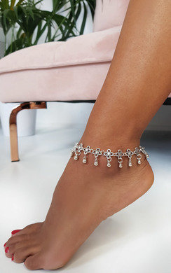 View the Lola Flower Chain Anklet online at iKrush