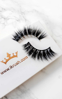View the Luxury Mink Lashes - Poser  online at iKrush