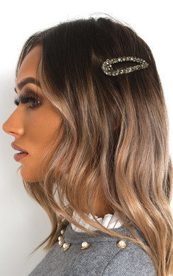 View the Mia Diamante Oversized Hair Clip online at iKrush