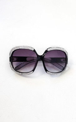 View the Miya Oversized Diamante Sunglasses online at iKrush