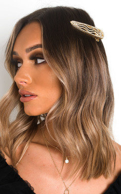 View the Sia Diamante Wave Oversized Hair Clip online at iKrush