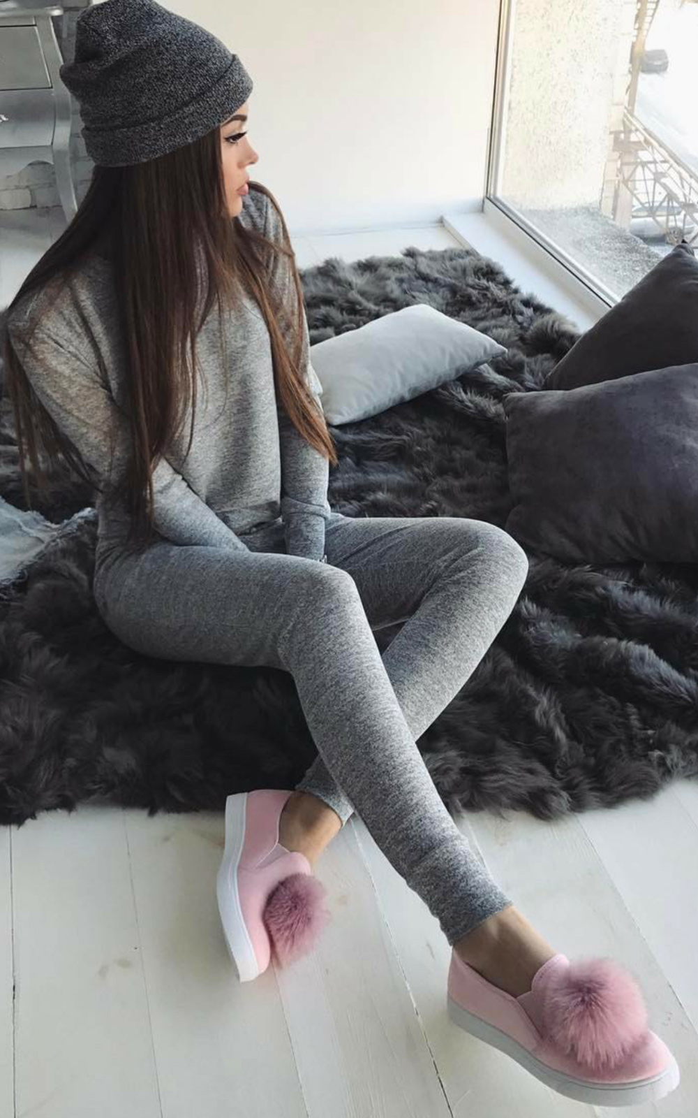 Lea Joggers and Jumper Set in Grey