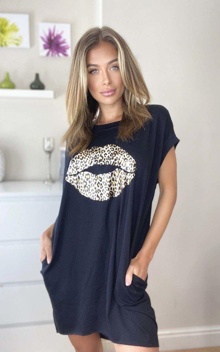 Hanna Leopard Print Lips Oversized Top in Black