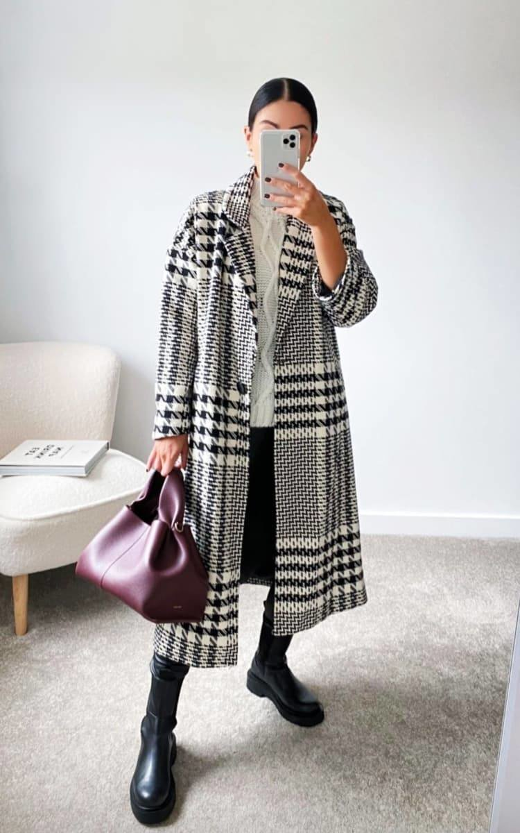 Jessica Dogtooth Printed Coat in Black/white