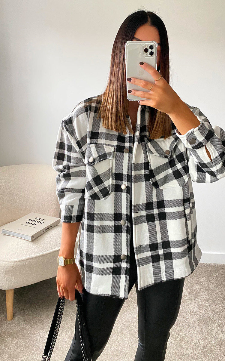 Nicole Checked Over Shirt in Black/white