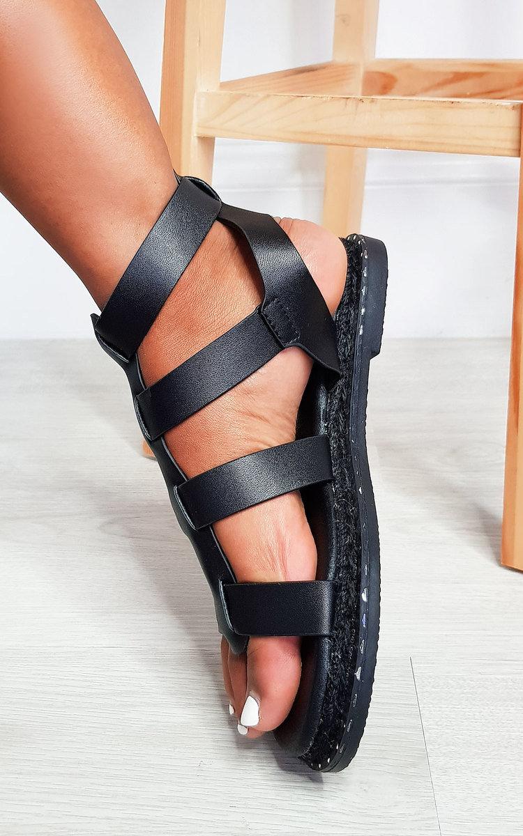 Tessi Strappy Flat Sandals in Black