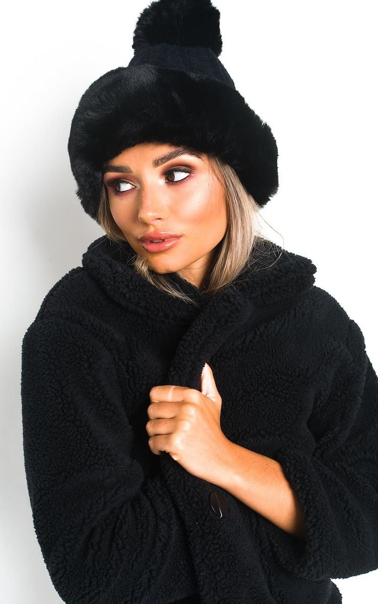 Yasmin Faux Fur Lined Pom Pom Hat in Black